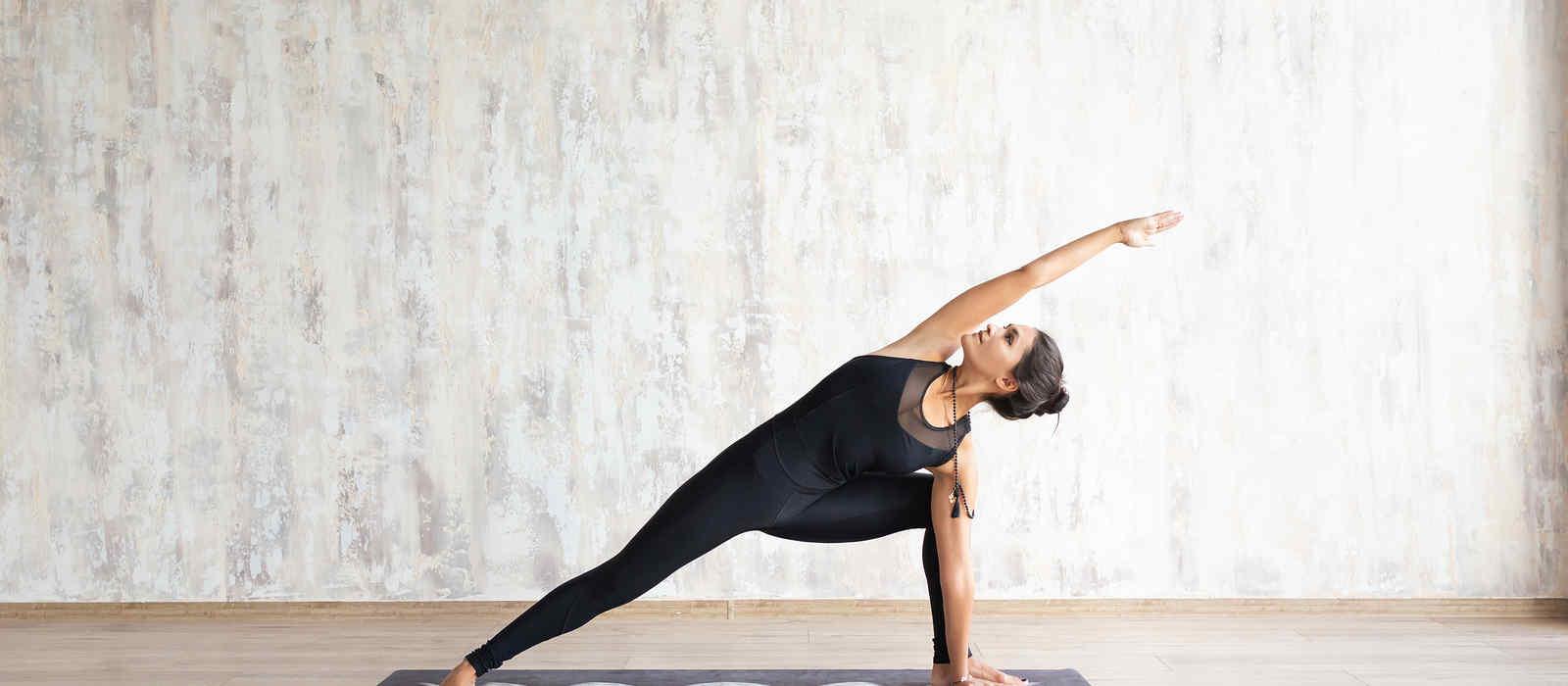 Yoga Stellungen Die Wichtigsten Fakten Uber Asanas Personalfitness